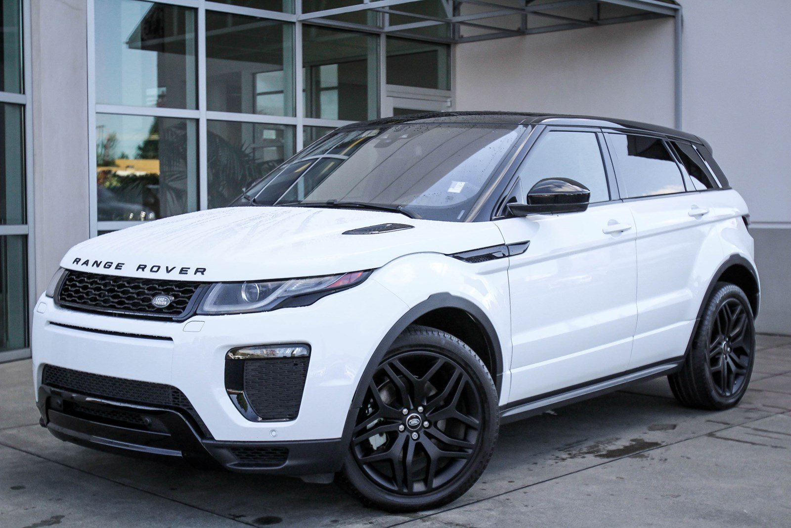 Range Rover Evoque Hse >> Certified Pre Owned 2017 Land Rover Range Rover Evoque Hse Dynamic 4wd