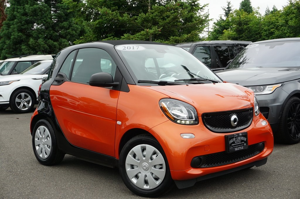 Pre-Owned 2017 smart Fortwo electric drive pure